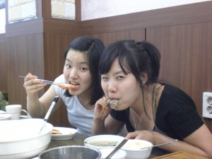 Lisa and Jenny eating our delicious meal.