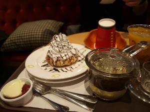Waffles n tea